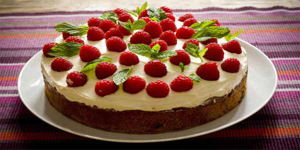 sweets cream-cake-raspberry avonmore